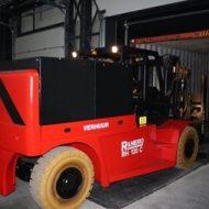 Chariot élévateur électrique version spéciale conteneur, conçu pour la manutention à l'intérieur des conteneurs, capacité de charge 12000 kg CDG 600 mm.